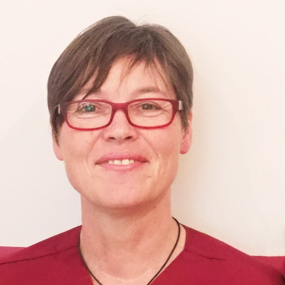 Dr. Claudia Pox